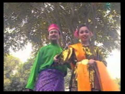 S. Jibeng & M. Shariff - Selamat Hari Raya [official Music Video] video