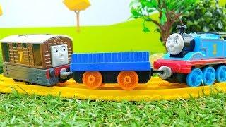 Паровозик Томас и его друзья - Видео с игрушками - Диди тв