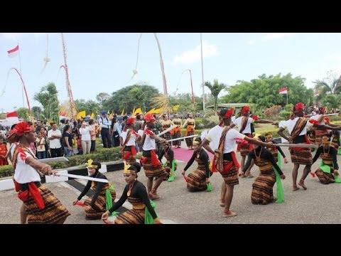 Joget Bae Sonde Bae (festival moyo  Sumbawa)