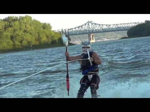 Spearfishing Asian Carp On Water Skis Peoria Carp Hunters
