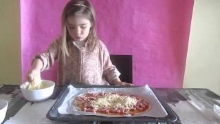 Haciendo pizza ¿cocinamos juntos? - Making pizza. Cook together?