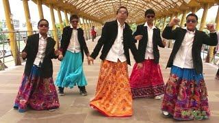 AATA MAJHI SATAKLI DANCE PERFORMANCE