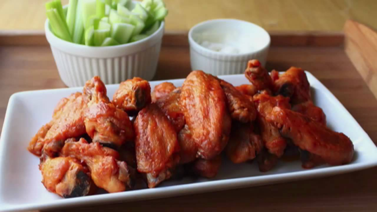How to Make Buffalo Chicken Wing Sauce - How to Make ...
