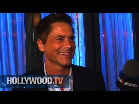 Rob Lowe tells us about his surfing accident - Hollywood.TV