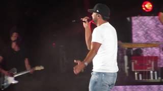 Download Lagu Luke Bryan singing Play it Again in Concert at Fenway Park 7/6/18 Gratis STAFABAND