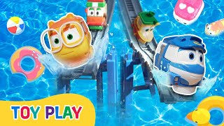 Toy Play | Splash and Shievering Water slide play! | Robot Trains Toy Play