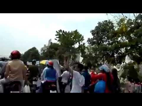 Công Nhân Pou Yuen Bình Tân Biểu Tình video