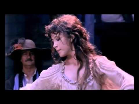 Sophie Marceau et la danse