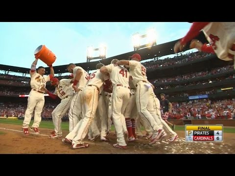 Carpenter's homer gives Cards a walk-off win