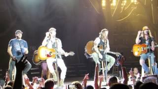 Download Lagu Florida Georgia Line Medley w/Cole Swindle & Jaren Johnston Live @ BB&T Pavilion Gratis STAFABAND