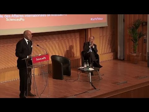 Laurent Fabius devant les étudiants de Sciences Po