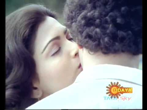 Ravichandran kissed kushboo...AGAIN!