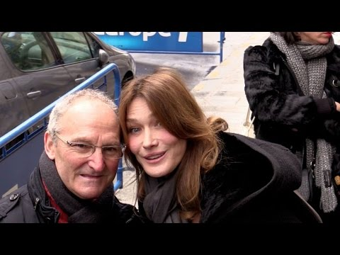EXCLUSIVE: Very nice Carla Bruni attending Europe 1 radio show in Paris