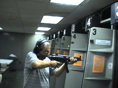 Wagner shooting M16 - 9mm - Micro UZI machine gun.mpg