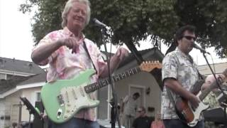 Watch Jan & Dean Little Old Lady From Pasadena video