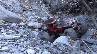 rc axial wraith , g made rock buggy dans torrent desseché
