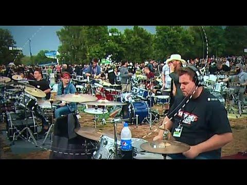 500 zenész tartott rockzenei flashmobot Kecskeméten
