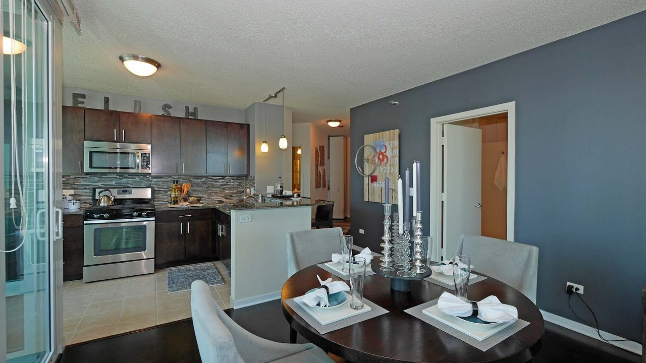 the streeter in streeterville a chicago apartment review youtube