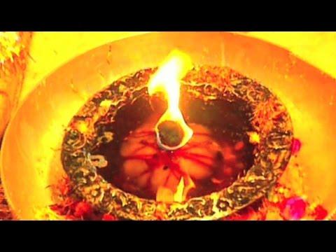 Mata Rani Bhajan - Jhandewaliye - Navratri Special Bhajans - Jai Mata Di video