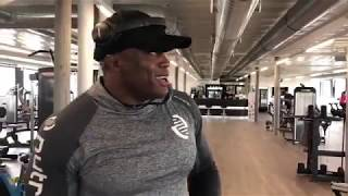 Bobby Lashley Works Out (Video)