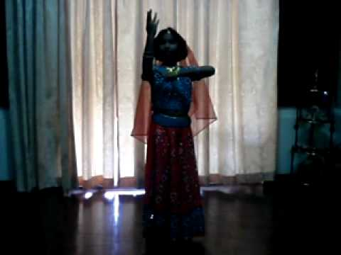 Ayushi Baidya dancing on the traditional song Jo hai Albela.