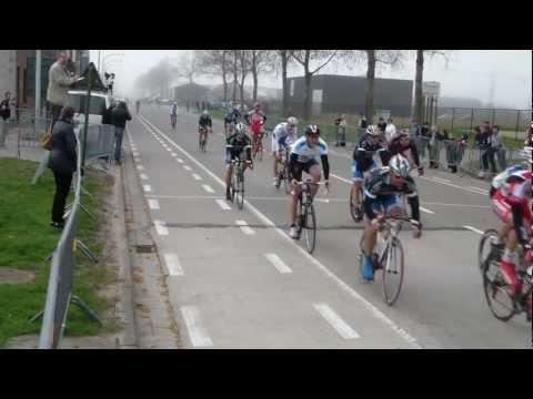 Wedstrijd te Zandvoorde (25/03/2012) (AB - categorie) (WAOD) (NGMT Cycling Team)