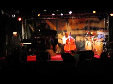 Randy Weston, Alex Blake, Neil Clarke @ New Morning, Paris Oct. 2012 Pt.1
