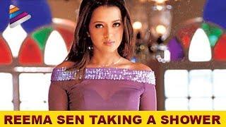 Reema Sen taking a shower - Prema Chadarangam Movie Scenes - Vishal