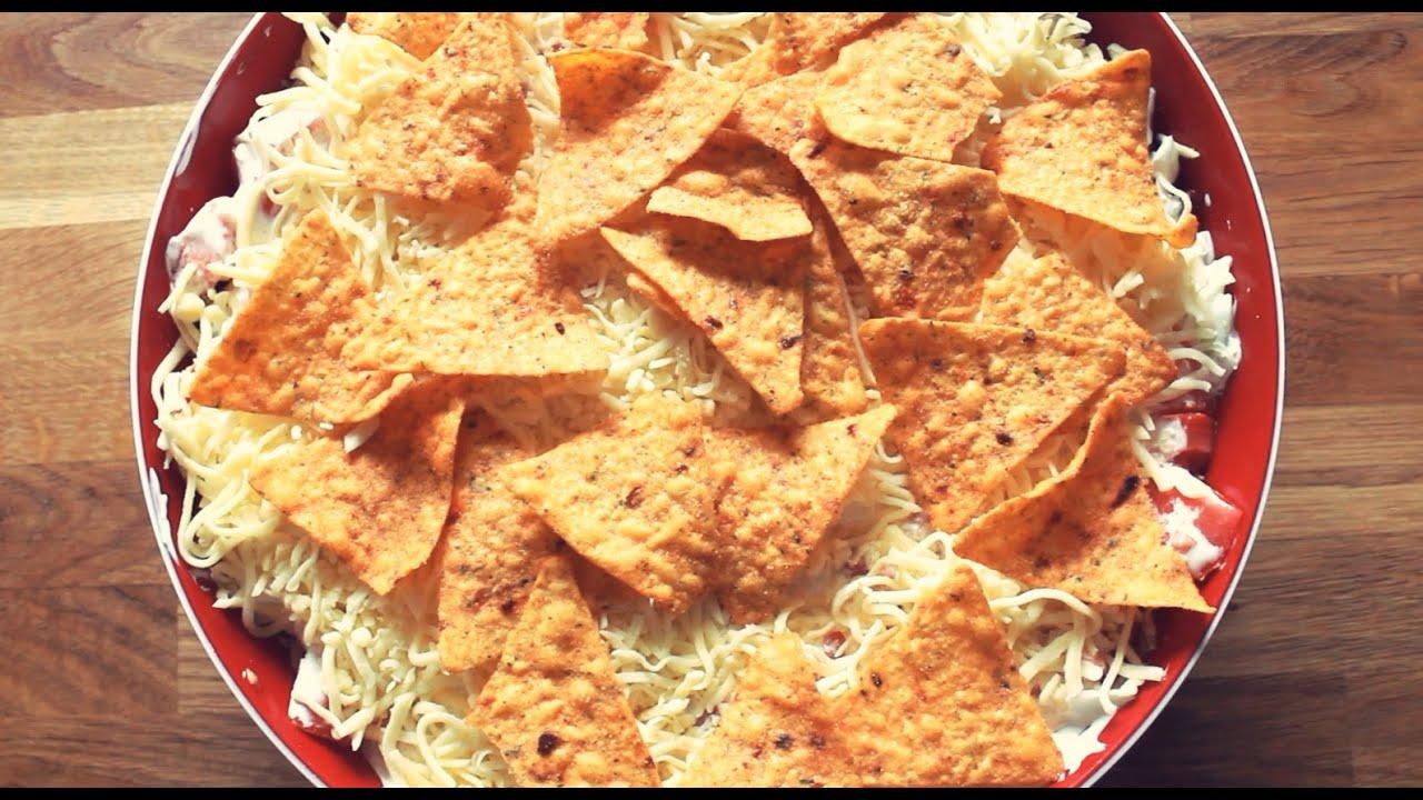 mexikanischer schichtsalat mit tortilla chips youtube. Black Bedroom Furniture Sets. Home Design Ideas
