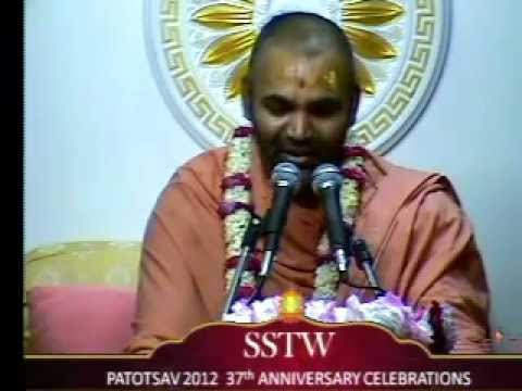 Willesden Temple 37th Patotsav 2012 - Day 4 - Morning Katha