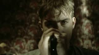 Watch Blur Song 2 video