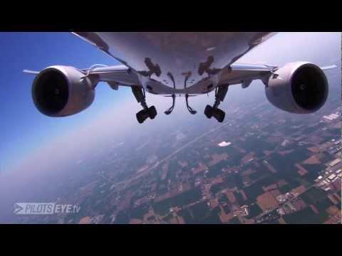 PilotsEYE.tv - HKG Hong Kong - Boeing 777F - Cargo - Teaser Arriving Bergamo