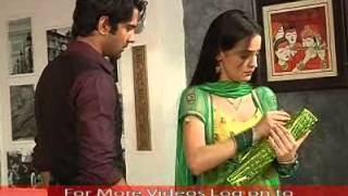 Arnav trying to convince Khushi
