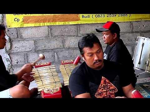 Kuda Lumping Trance Dance Music from Java, Indonesia