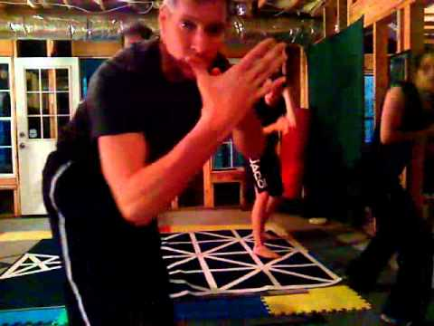 www.karatefire.com silat vs. muay thai skip knees and clench Image 1