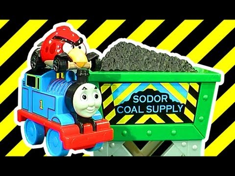Thomas Coal Hopper Launcher Fun Lightning McQueen Angry Birds Hot Wheels Mash And Crash LEOKIMVIDEO