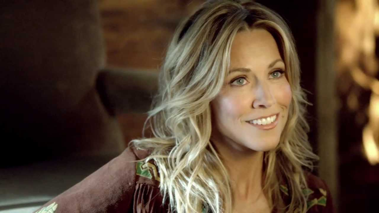 Sheryl Crow earned a unknown million dollar salary, leaving the net worth at 40 million in 2017