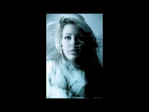 Bon Iver cover- Ellie Goulding.