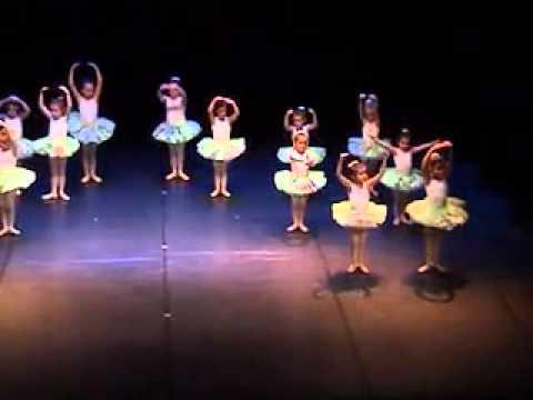 Centro del Balletto – Saggio 2011 – Corso di propedeutica alla danza classica