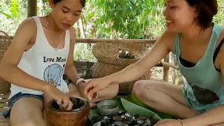 Primitive Technology - Beautiful Girls Cooking Clams