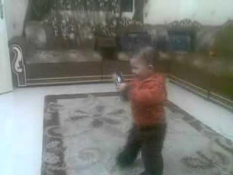 اجمل طفل يرقص نور القمرى.mp4 thumbnail