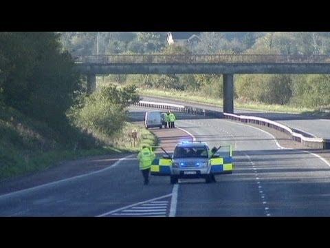 image vidéo Irlande du Nord : 2 hommes arrêtés pour le meurtre d'un gardien de prison