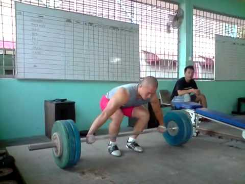 130kg x 2 snatch high pulls Image 1