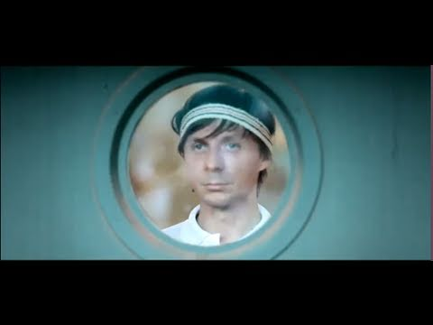Martin Solveig & Dragonette  - Hello [OFFICIAL VIDEO HD]