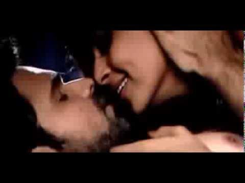 Bipasha Basu Emraan hashmi Kissing Scene Raaz 3