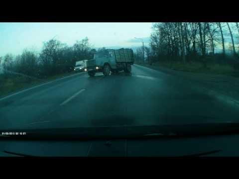 танцующий мусоровоз)