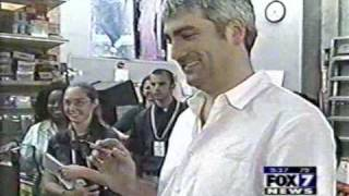 Taylor Hicks Signs Book For Chandler