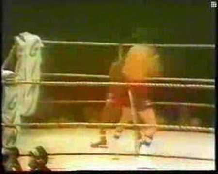 Carlos Monzon vs Rodrigo Valdez I Rounds 1-2 Video