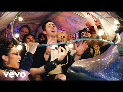 Nick Jonas - Chains (The Wynwood Walls Edition)