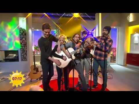 Walk Off The Earth - Somebody That I Used To Know performed live on a German TV talk show Music Videos